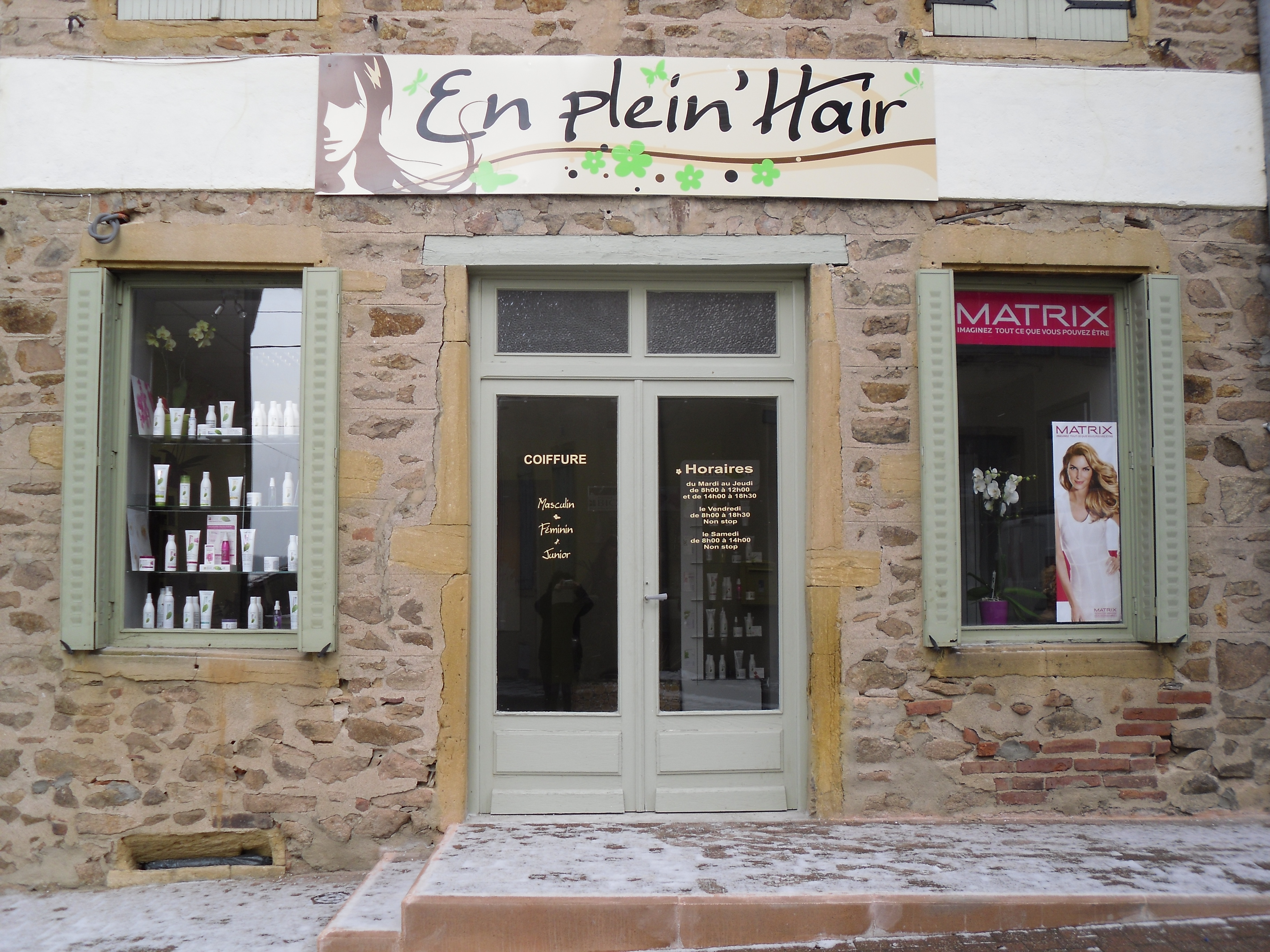Vie locale for Porte revue salon de coiffure
